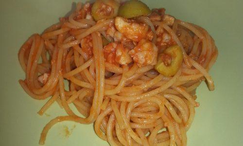 Spaghetti con merluzzo e olive